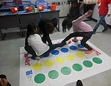 아동들이 게임하고 있는 모습